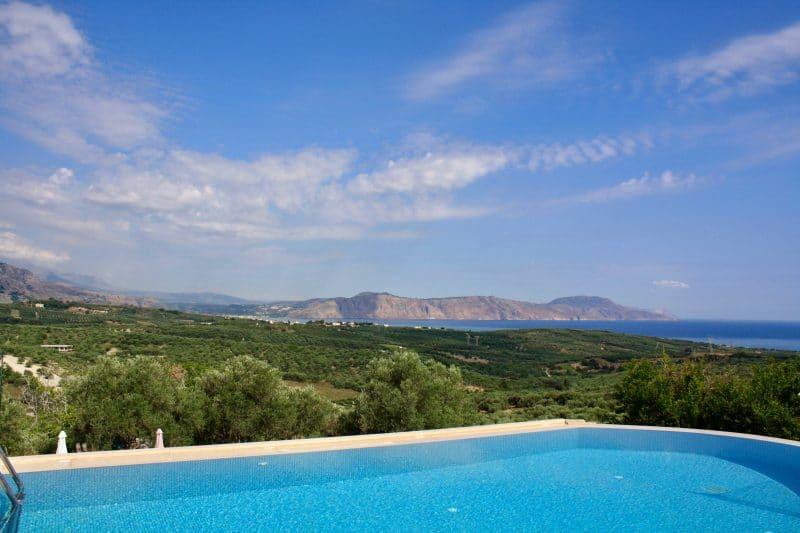 Top Tipp: Ferienhaus mit Meerblick auf Kreta umgeben von